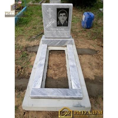 Памятник из мрамора - Пол чемодана   PM0026 — ritualum.ru